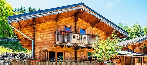 mountain-chalet-summer