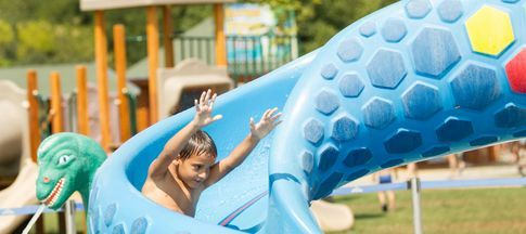 choose-a-campsite-with-a-swimming-pool-for-your-holiday