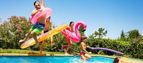 vacances-2021-4-bonnes-raisons-de-se-jeter-a-l-eau